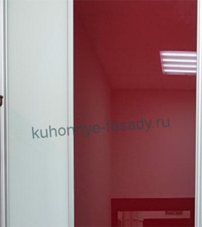 Двери купе красное и белое стекло